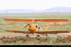 JLPC_2011_11_20_Baragwanath_ZS-DHR_Tiger_Moth-02