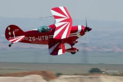 Ace_of_Base_Aerobatic_Competition_Baragwanath_2012-12-09_ZS-UTB