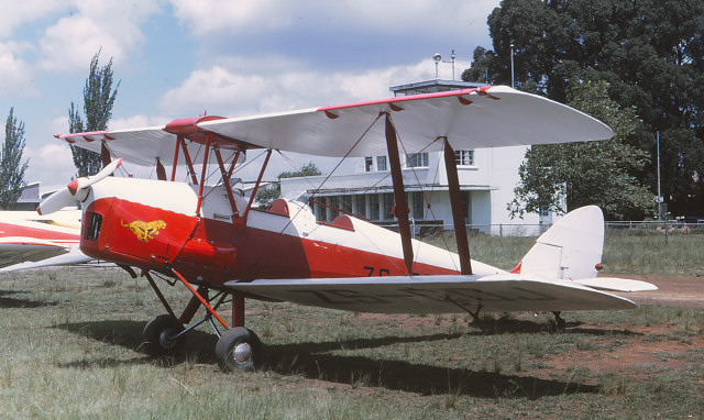 Tiger Moth: ZS-CDJ